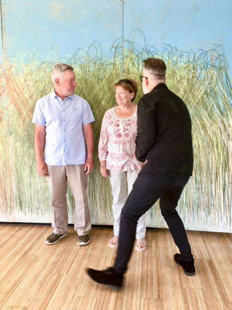 Councillor Mark Buckton and his wife line-up for artist Tim Mann. (2947804)