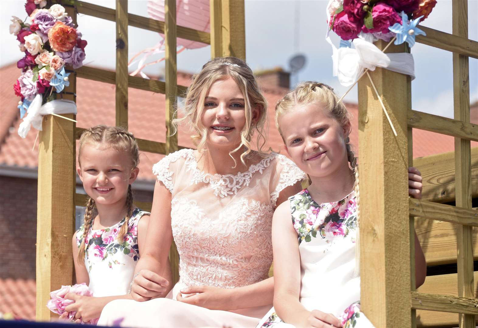 Wisbech Rose Fair is great success as sunshine brings out the crowds
