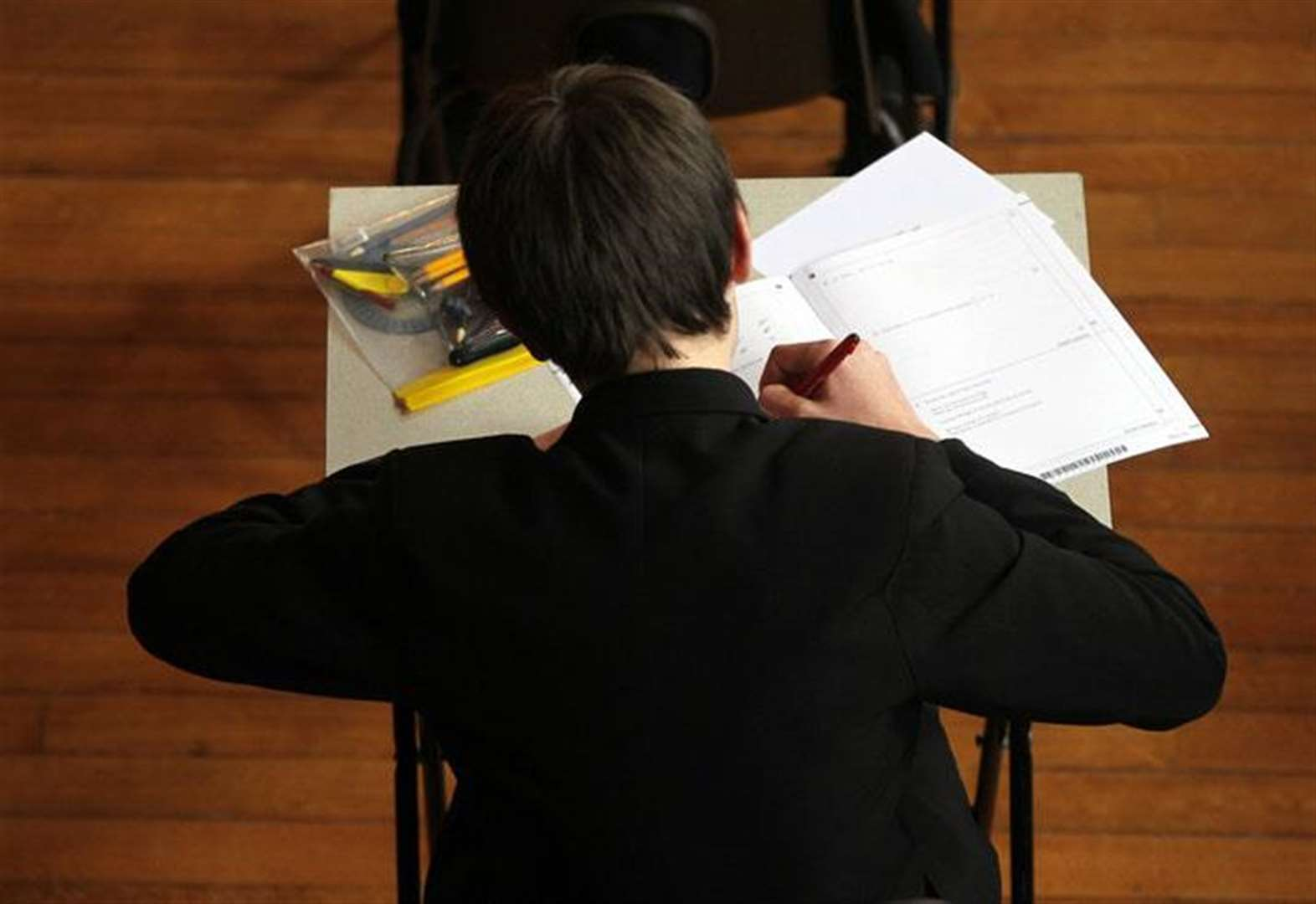 More than 1,800 Cambridgeshire teenagers face compulsory resits after failing English and maths GCSEs