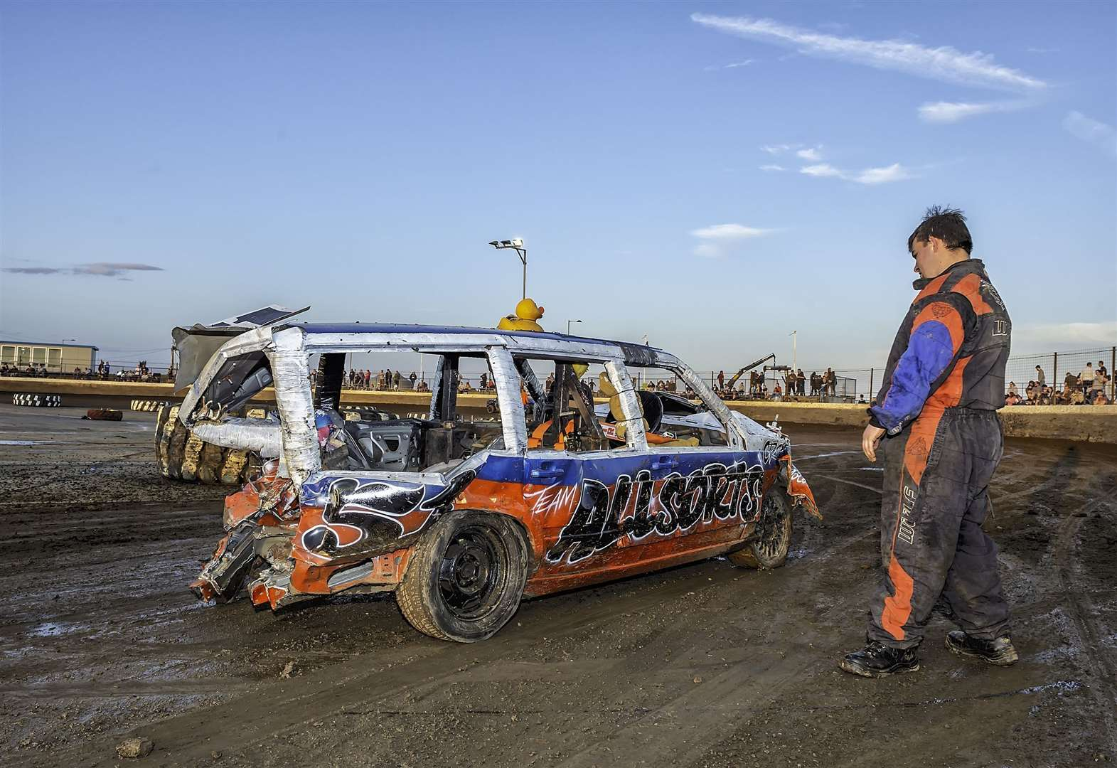 Stock cars: huge Fenland Crash for Cancer charity entry