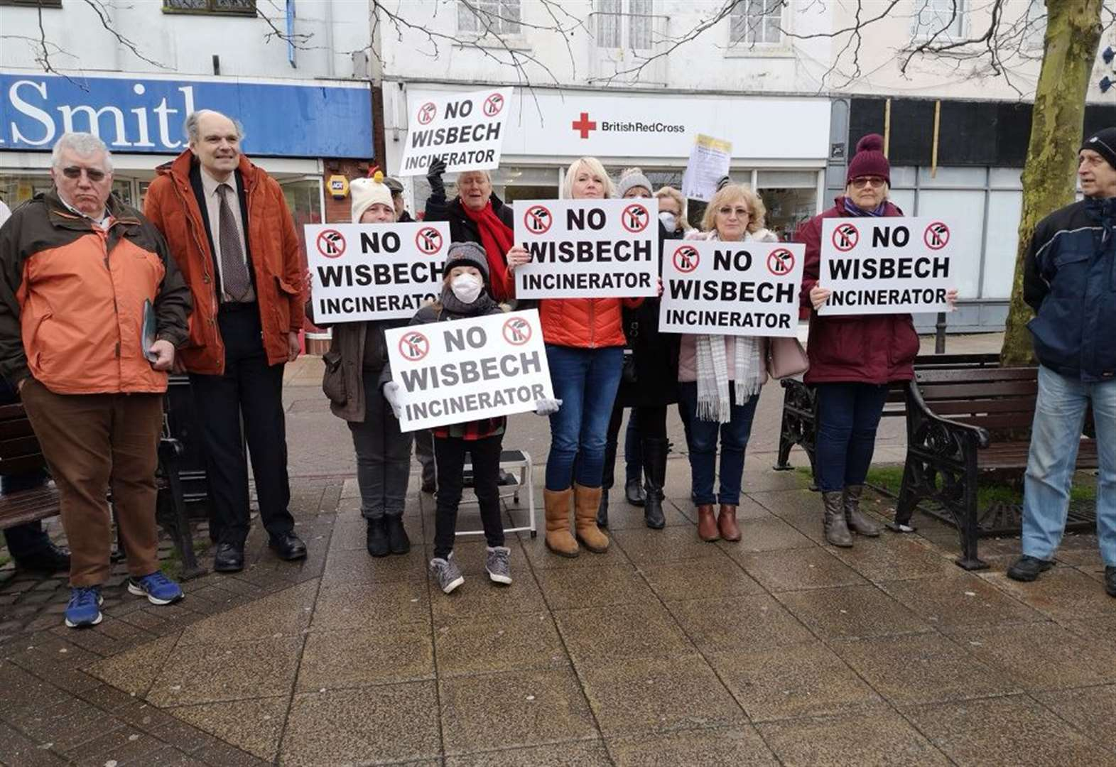 Over 300 turn out for anti-incinerator rally in Wisbech - despite blustery winds and rain