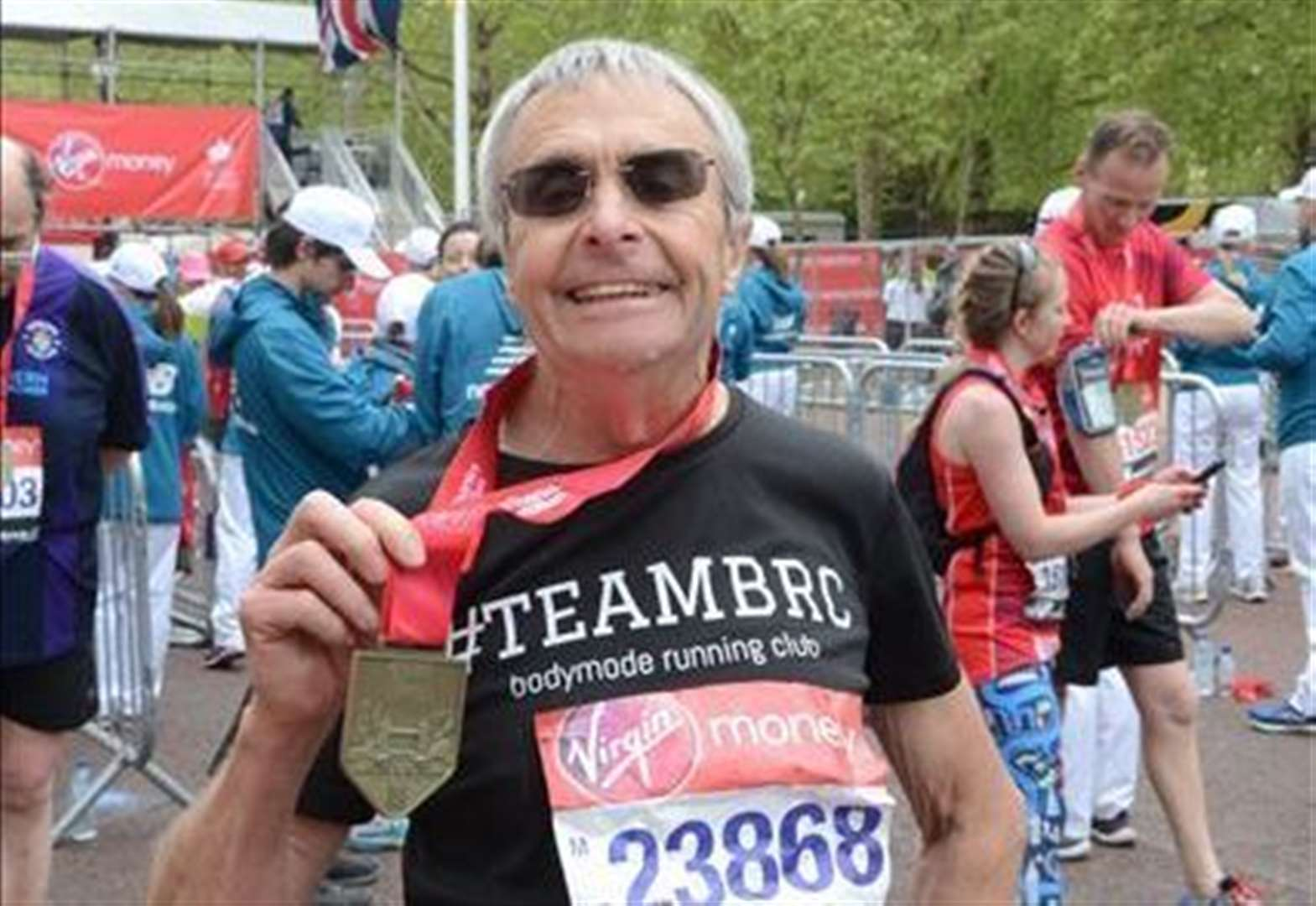 Chatteris Bodymode Running Club's Roger Tolfree, 72, from Mepal completes Virgin London Marathon and an 'inspirational' member