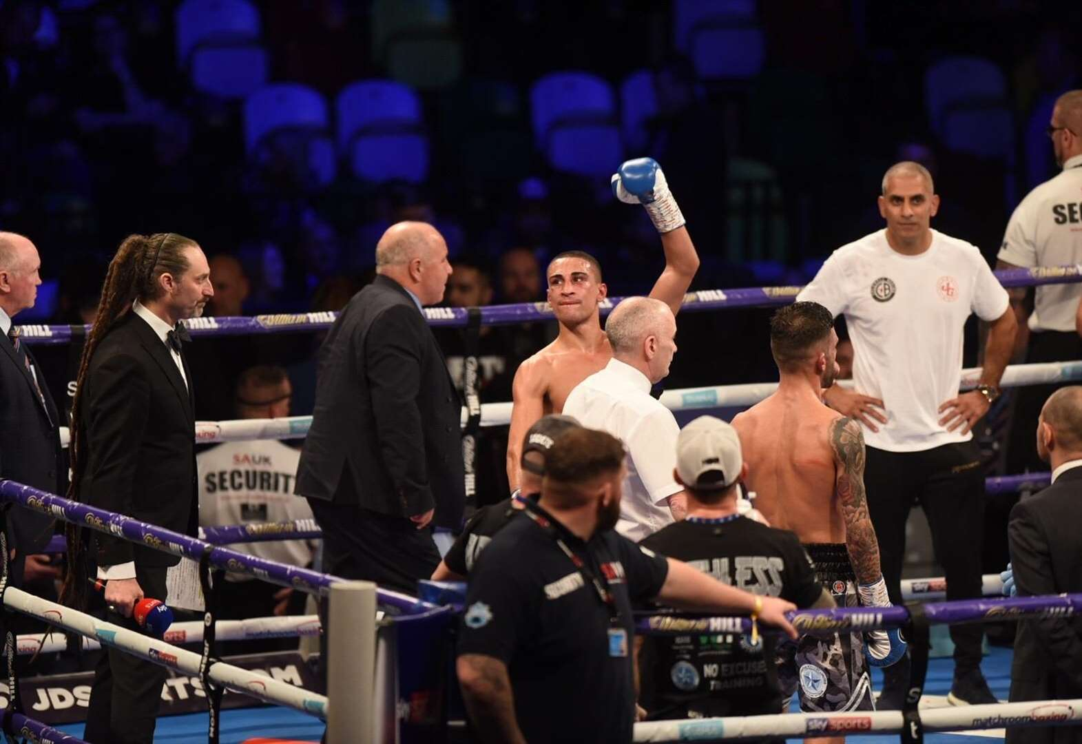 Chatteris fighter Jordan Gill is crowned Commonwealth featherweight champion at London's Copper Box Arena