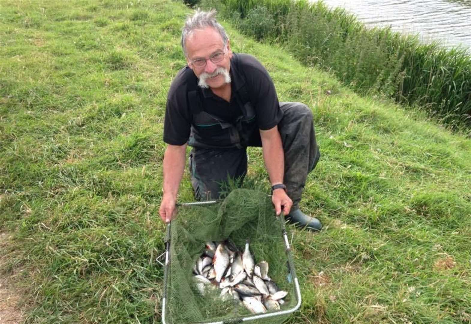 Angling: Twenty Foot Drain at March sees big catches headed by Graham Welton who beats Phil McFadden and rod legend Bob Nudd