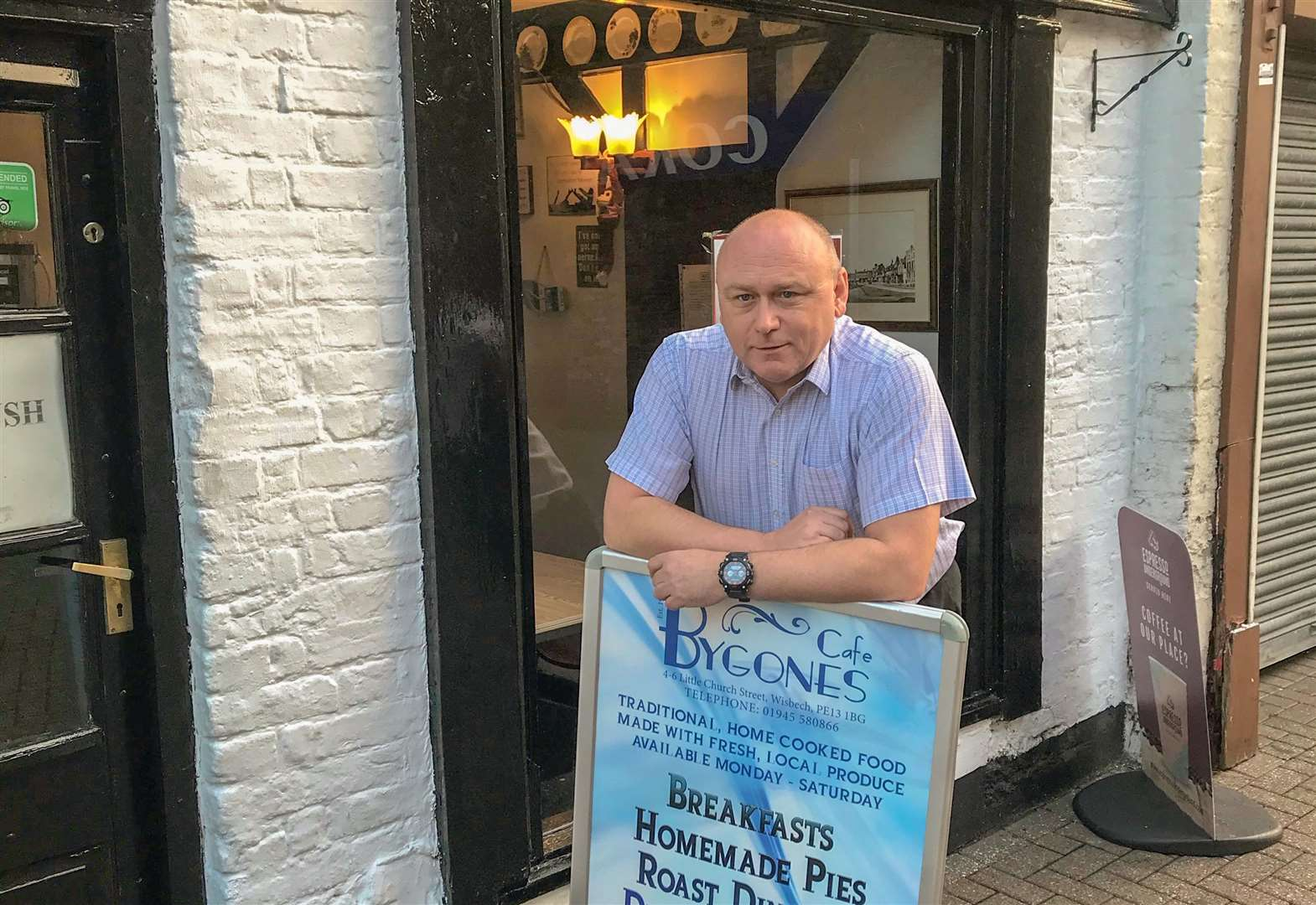 Bygones Café in Wisbech is opening its doors to the homeless with special evening run by 50 Backpacks charity volunteers