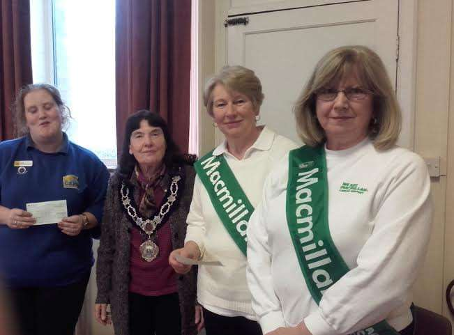 Fenland District Lodge of the Oddfellows at Manea presented cheques of �700 each to the Cats Protection and the Macmillan Nurses.