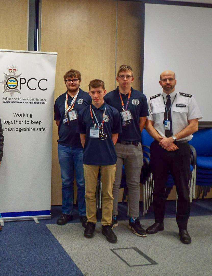 Students help to raise awareness of modern slavery with Cambs police. (7304499)
