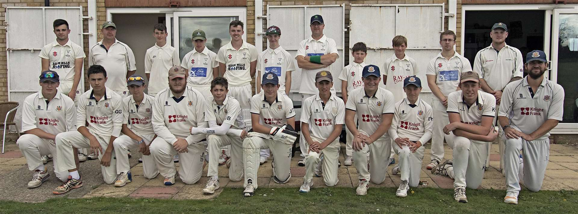Photos: Chatteris line up back row, with Wisbech front row. (4348879)