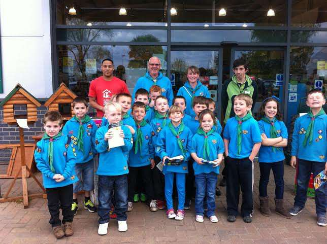 Youngsters from 1st March Beavers who visited a pet store as part of their work for a pet care badge