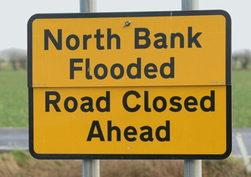 Road closed signs for the North Bank ENGEMN00120140502114617