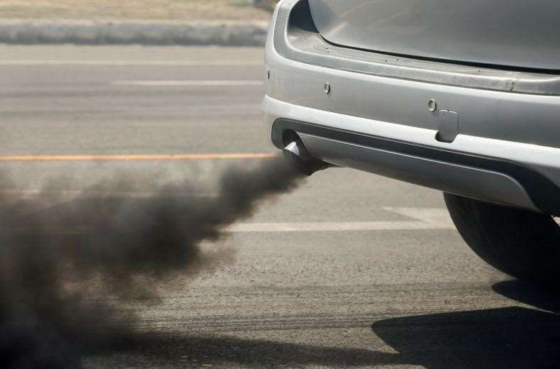 A reader says parent motorists are polluting outside schools. (22888453)
