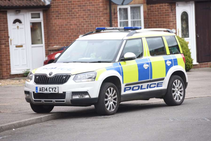 Police at Mill Close Wisbech ANL-160425-140431009