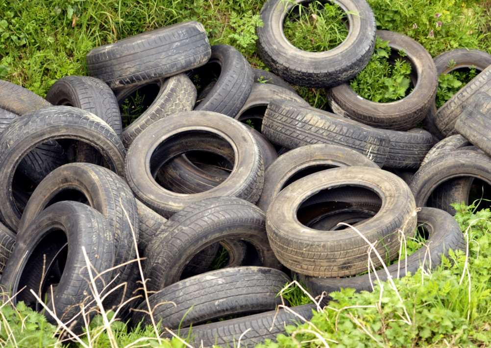 Dumped Tyres at Barkers Lane in March ANL-151204-175355009