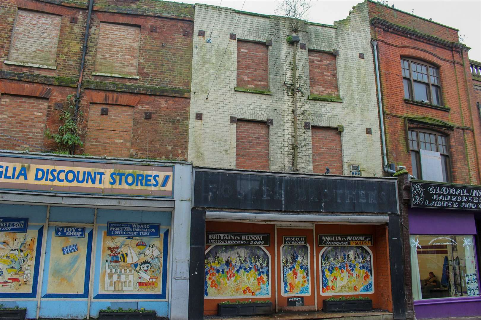 Plans have been submitted that will see 11 and 12 High Street, Wisbech demolished and replaced with a new building. (12694459)