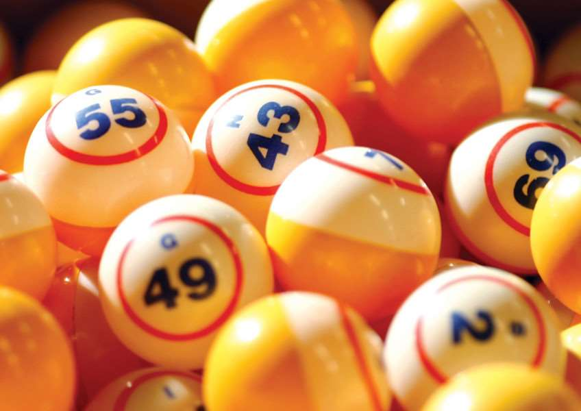 JPJS-27-09-12-017 bingo balls''Will the bingo balls drop in your favour - The Beneficial Society is holding a bingo and karaoke evening. ENGPPP00120120925134157