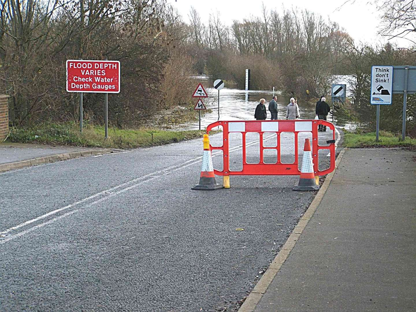 Welney Wash Road will need to be closed for up to six weeks next summer to allow for essential flood barrier work - residents are being asked when's the best time to do it. (30023165)