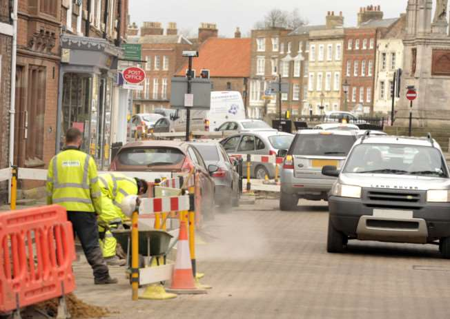 Road works in Wisbech ANL-150203-091821009