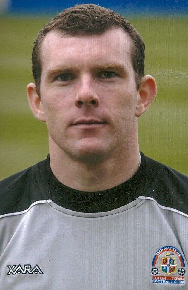 Goalie Mark Ovendale died of cancer in 2011 aged 37. (9957578)