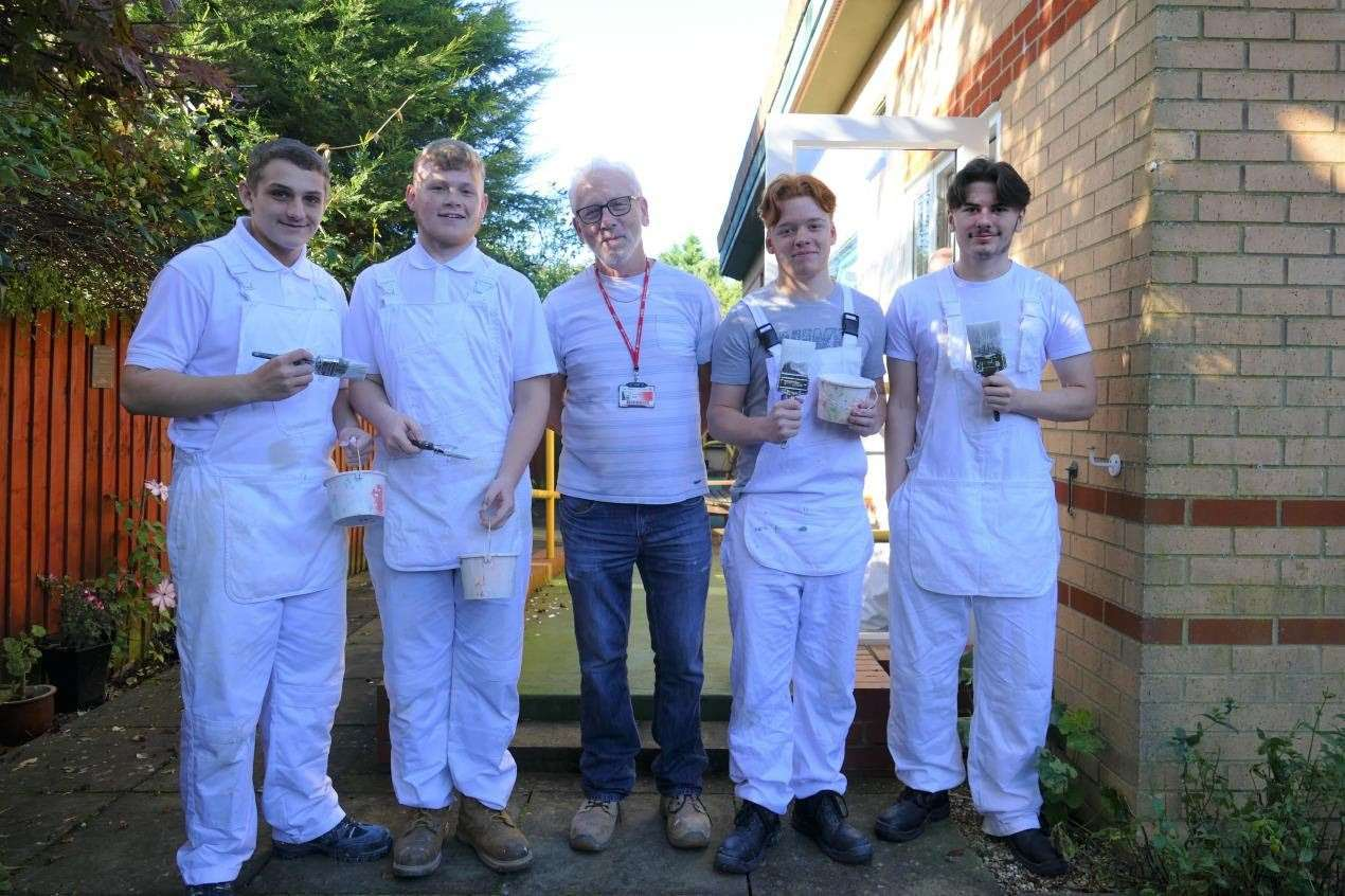College of West Anglia students in Wisbech gave the town's Victoria Lodge Day Centre a make-over. (20830939)