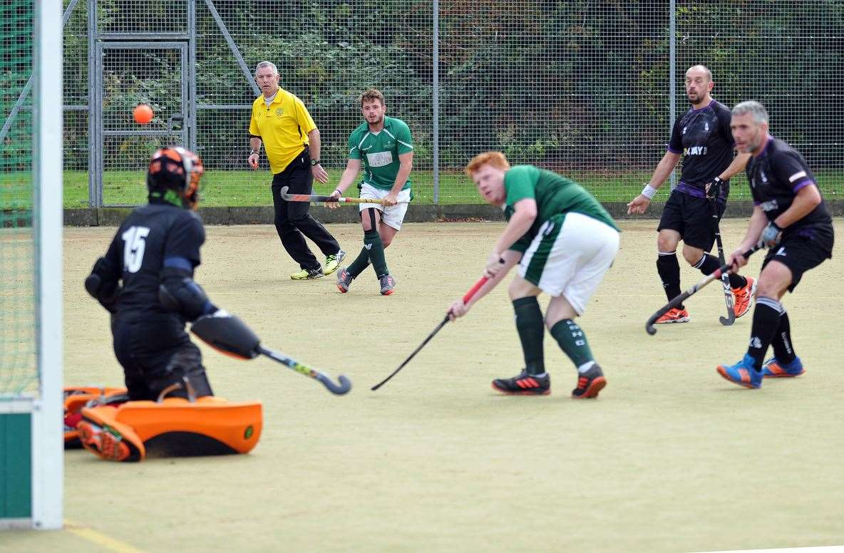 Peele Leisure Centre - men's hockey action Long Sutton v Pelicans Sutton opener (18866037)