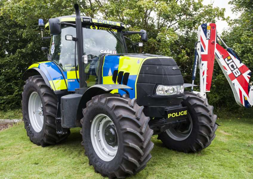 The Police Tractor ENGANL00120120309110316