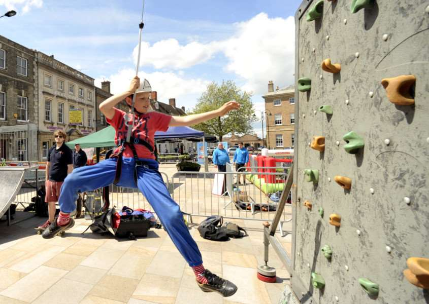 Free sports taster day on the Tuesday Market Place, Lynn ANL-150531-100521009