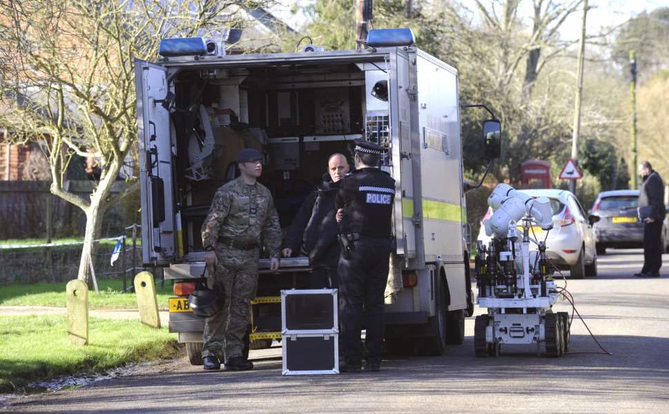 "Police and bomb disposal experts remain at the doctors�"" surgery in Boughton Village, after suspicious packages were discovered there this morning.'Officers were called to the Boughton surgery in Chapel Road shortly before 7.30am today after the packages were found. ANL-160128-141905009"