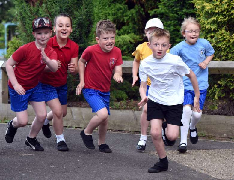 Clarkson School who are taking part in Race for Life