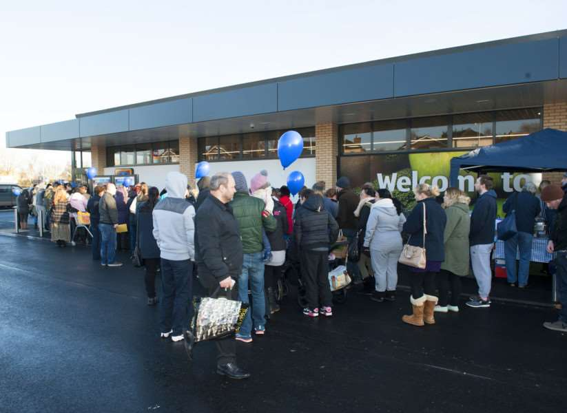 New Aldi store opens in Chatteris. ANL-160303-193541009
