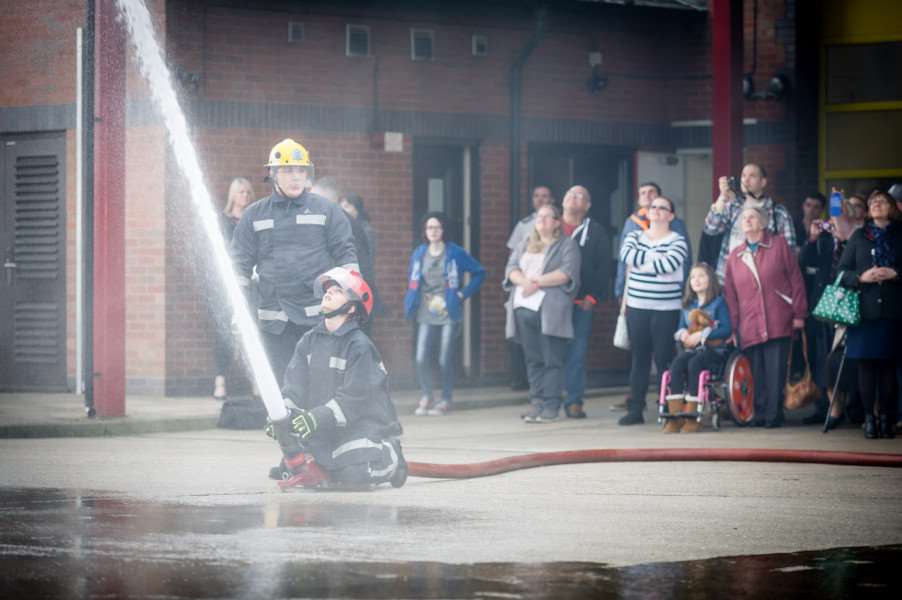 Princes Trust Passing Out Parade at Wisbech Fire Station. ANL-160414-214816009