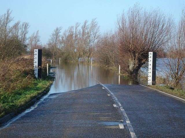 Welney Wash Road will need to be closed for up to six weeks next summer to allow for essential flood barrier work - residents are being asked when's the best time to do it. (30023105)