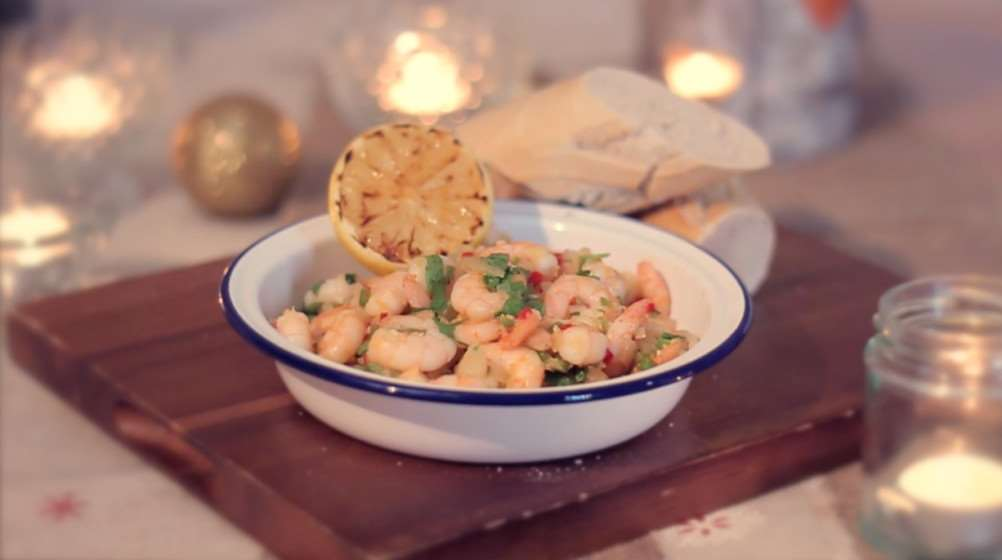 Chilli prawns with garlic