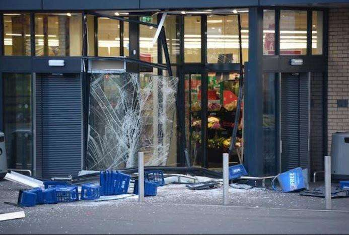 Thieves smashed their way into Aldi in Chatteris and stole the cash machine.