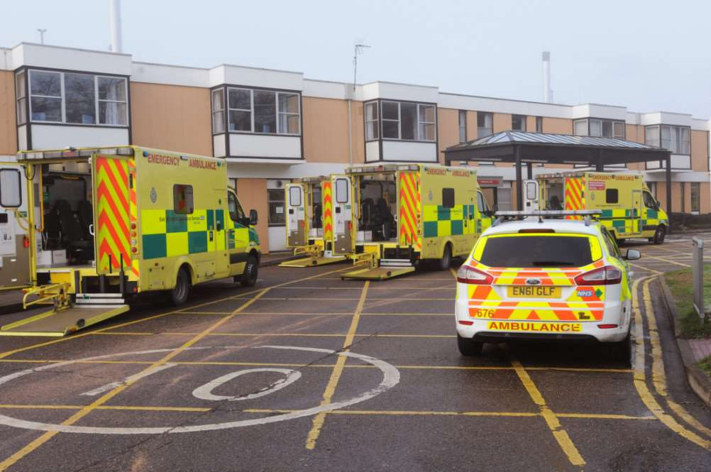 QEH Accident and Emergency Dept and Vehicles outside the entrance on Sunday 4th Jan 2015 ANL-150501-075111009