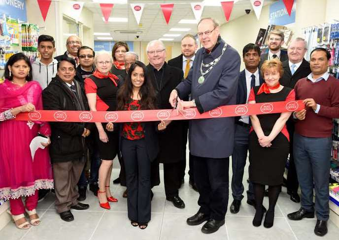 Mayor John Fox opens the new post office and W H Smith