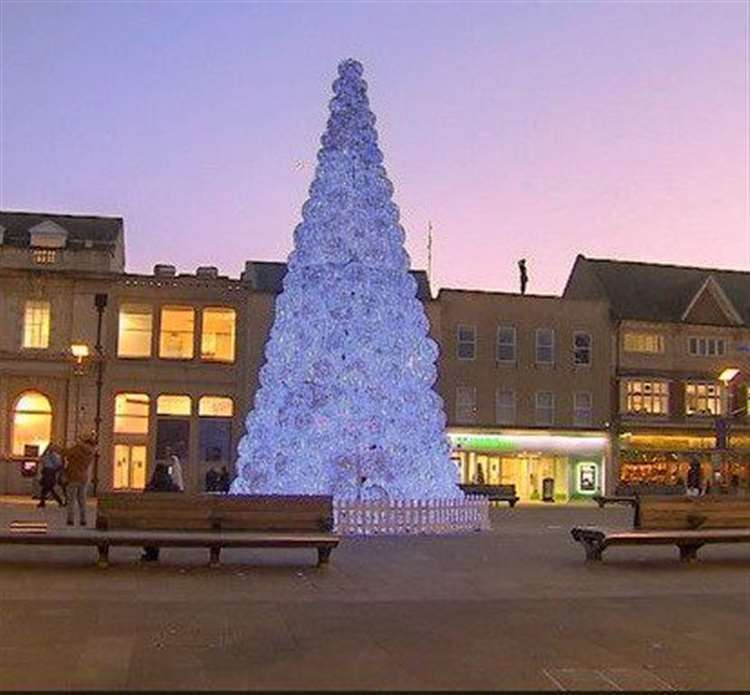Wisbech's new Christmas tree. (26551124)