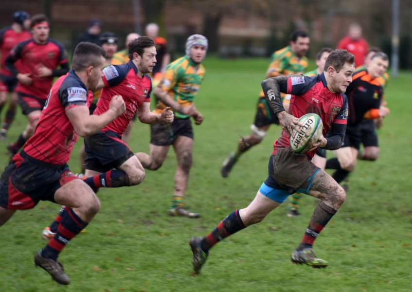 Wisbech Rugby action v Crusaders ANL-151213-183051009