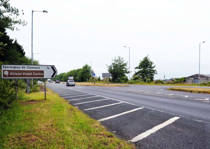 Station Road Junction (right of picture) on the A17 at Terrington St Clement ANL-150620-114335009