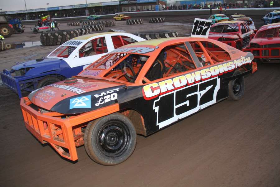 Wisbech driver Max Stott continued his impressive recent run of form in the 2L Stock Cars at King's Lynn on Saturday.