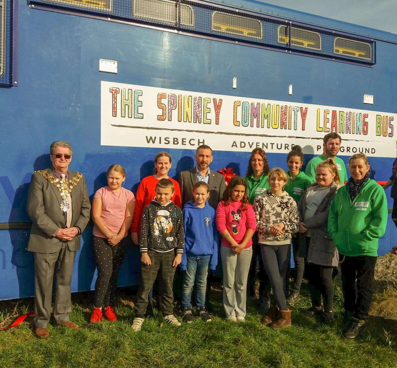 Mayor Peter Human and Councillor Simon Bywater with volunteers and families at the launch of the Learning Bus. (7498176)