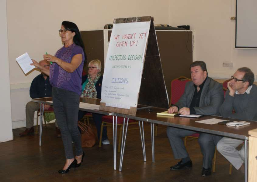 Angela Johnson, chairwoman of WAAD addresses the public meeting in Wimblington ANL-161031-162825001