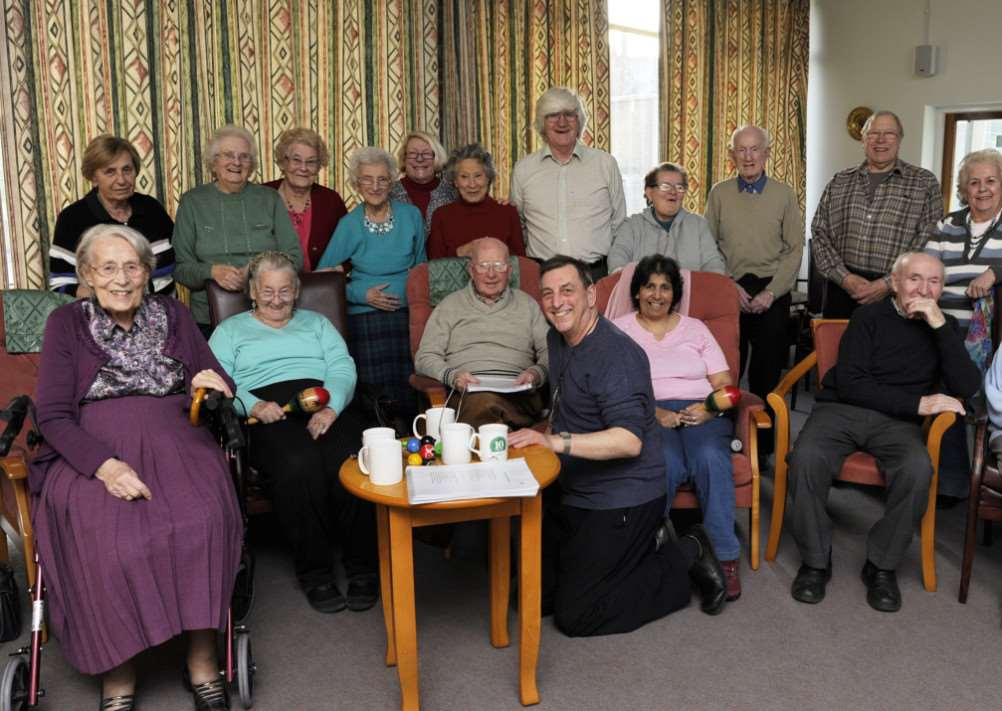 Mike Hill (Front Centre) with the Friday Group at Salem Court Chatteris ANL-150117-101934009