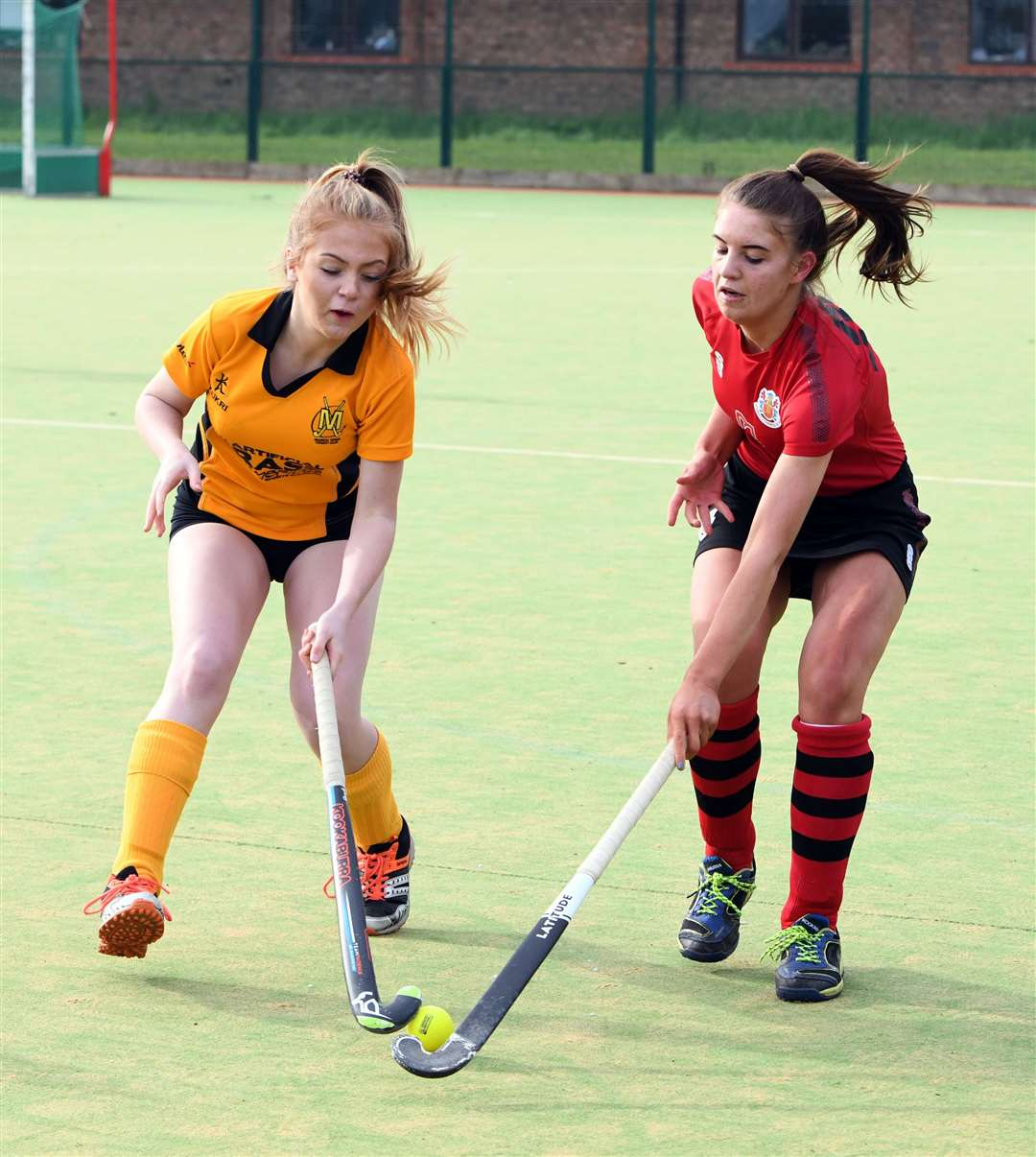 Wisbech Ladies 2nds v March 1st Hockey. (28777767)