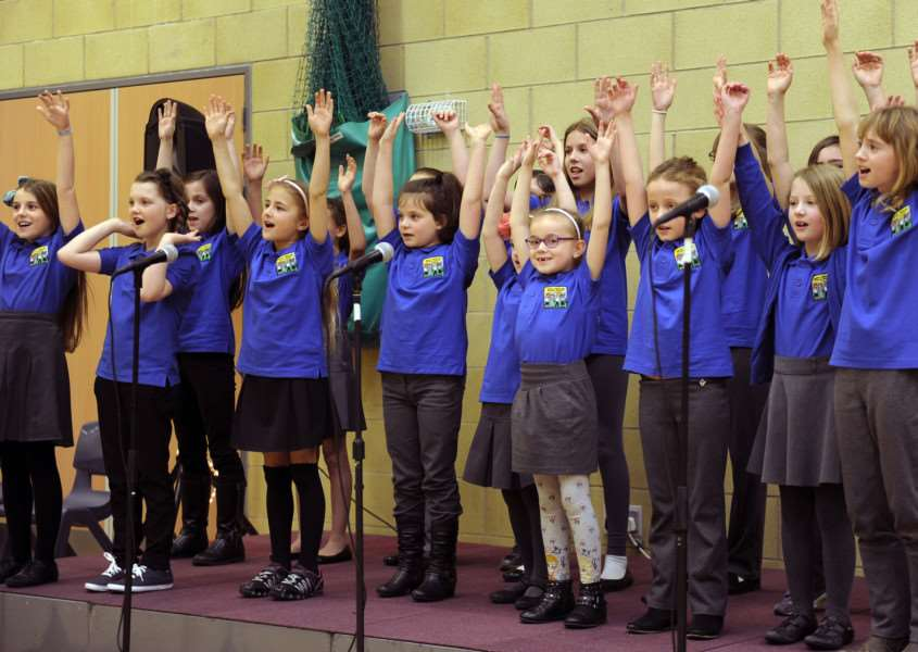 The Rotary Club of Chatteris, Schools Make Music at Cromwell Community College Chatteris'Manea School on Stage. ANL-160323-203056009