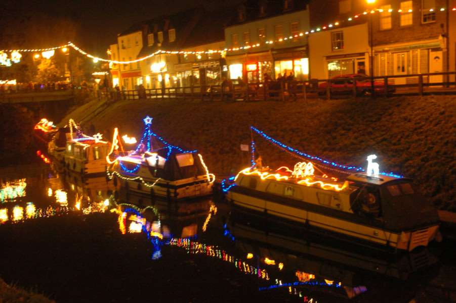 Boat owners will once again be decorating their vessels and parking up on the river in the town centre for the March Christmas lights switch-on this Friday.