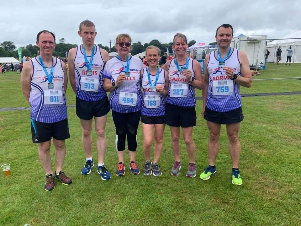 Group pic following Holkham 10k. (13545604)