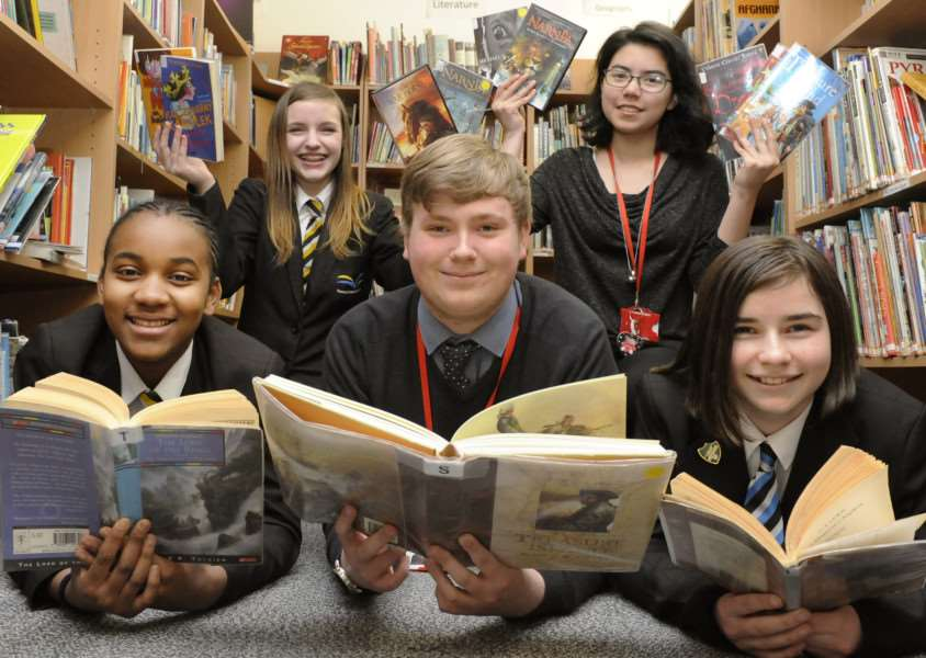 Launch of Wisbech Reads at Thomas Clarkson Academy Library.'Students Front LtoR, Diana Djalo, Jack Fowler, Chloe Allen'Back LtoR, Olivia Rumbelow, Ariana Gamble. ANL-160223-160425009