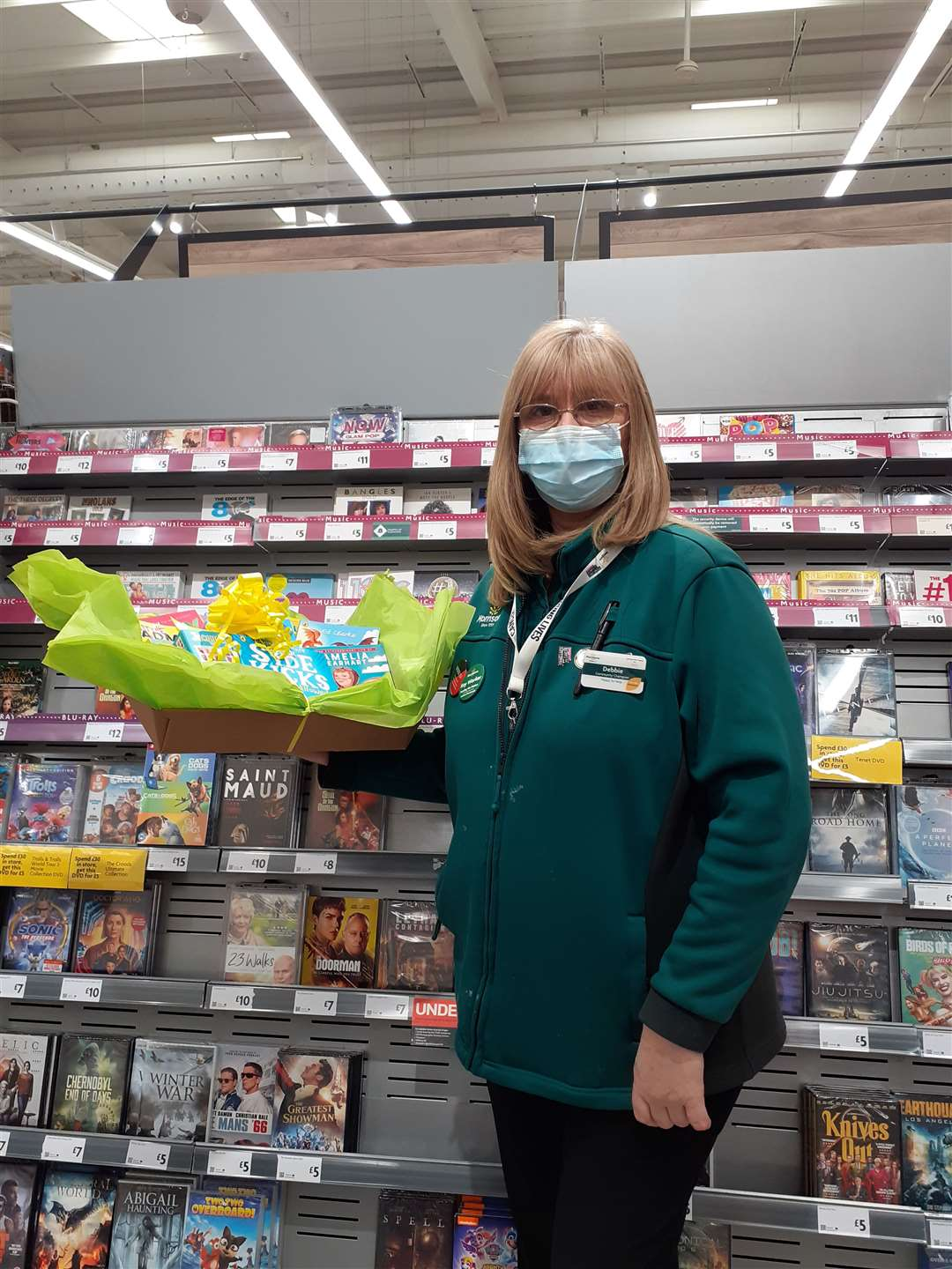 Debbie Thulborn, community champion at Wisbech Morrisons supermarket has delivered a bundle of books to Gorefield School in time for World Book Day. (44568222)