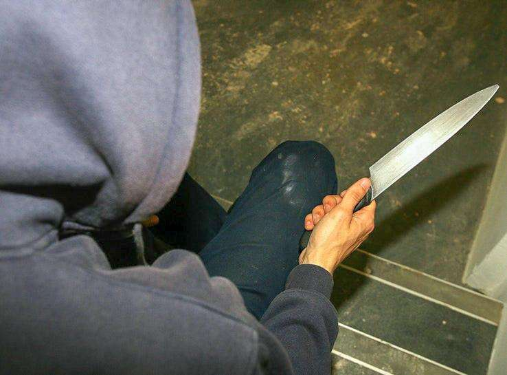 Rise in number of knife criminals in Cambridgeshire who reoffend, figures show. (6361991)