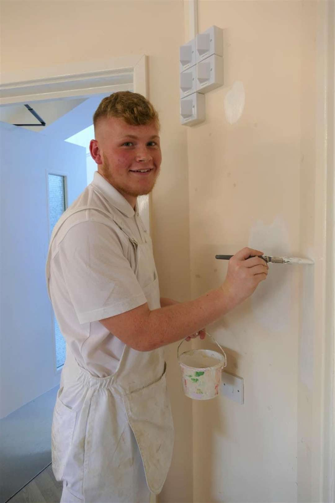College of West Anglia students in Wisbech gave the town's Victoria Lodge Day Centre a make-over. (20830932)
